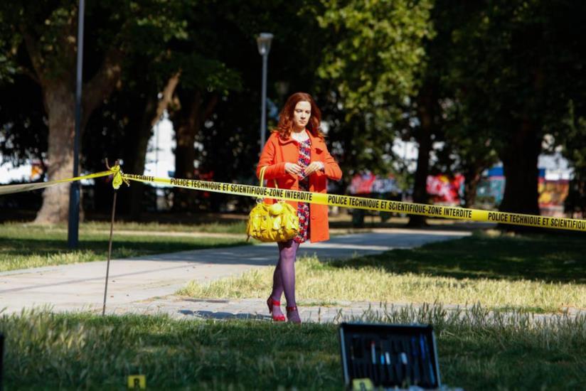 Odile Vuillemin nei panni di Chloe Saint-Laurent sul set di Profiling 6
