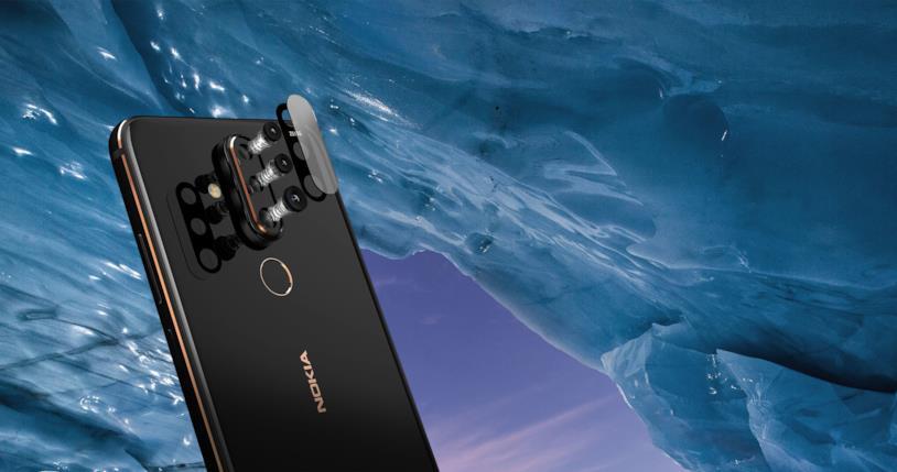 La fotocamera posteriore di Nokia X71 nel dettaglio