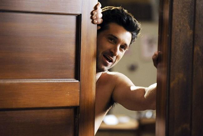 Al di là della porta c'è un Derek Shepherd nudo.