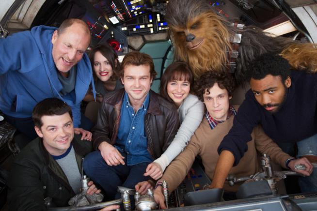 Il cast dello spin-off sul giovane Han Solo nella prima foto ufficiale