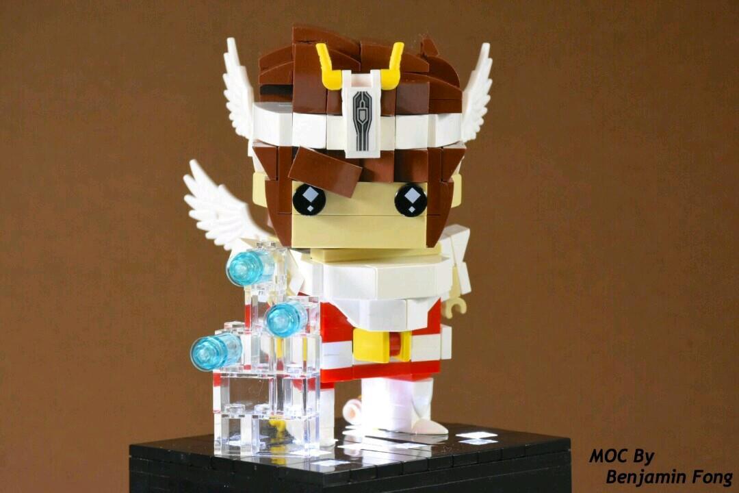 Il personaggio di Pegasus de I Cavalieri dello Zodiaco nella versione Brickheadz LEGO costruita da un fan