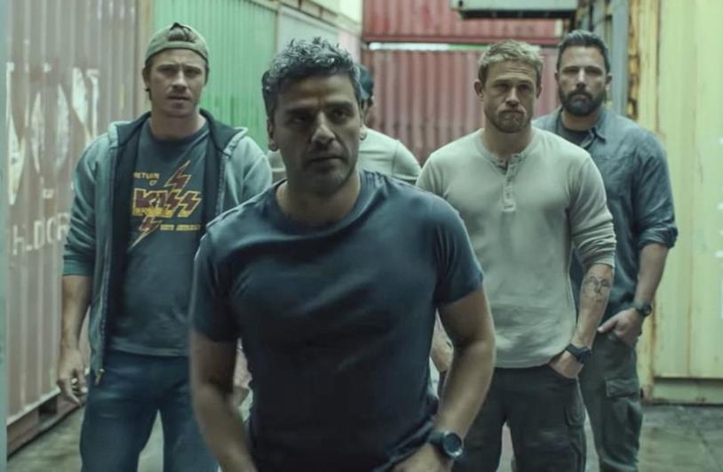 Garrett Hedlund, Oscar Isaac, Charlie Hunnam e Ben Affleck in una scena di Triple Frontier