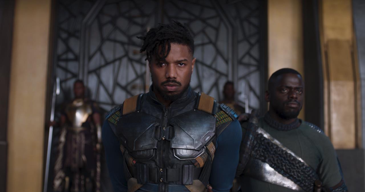 Erik Killmonger sfida i sovrani del Wakanda e dei suoi stati confinanti