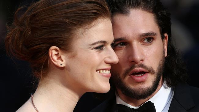 Kit Harington e Rose Leslie insieme sul red carpet degli Olivier Awards